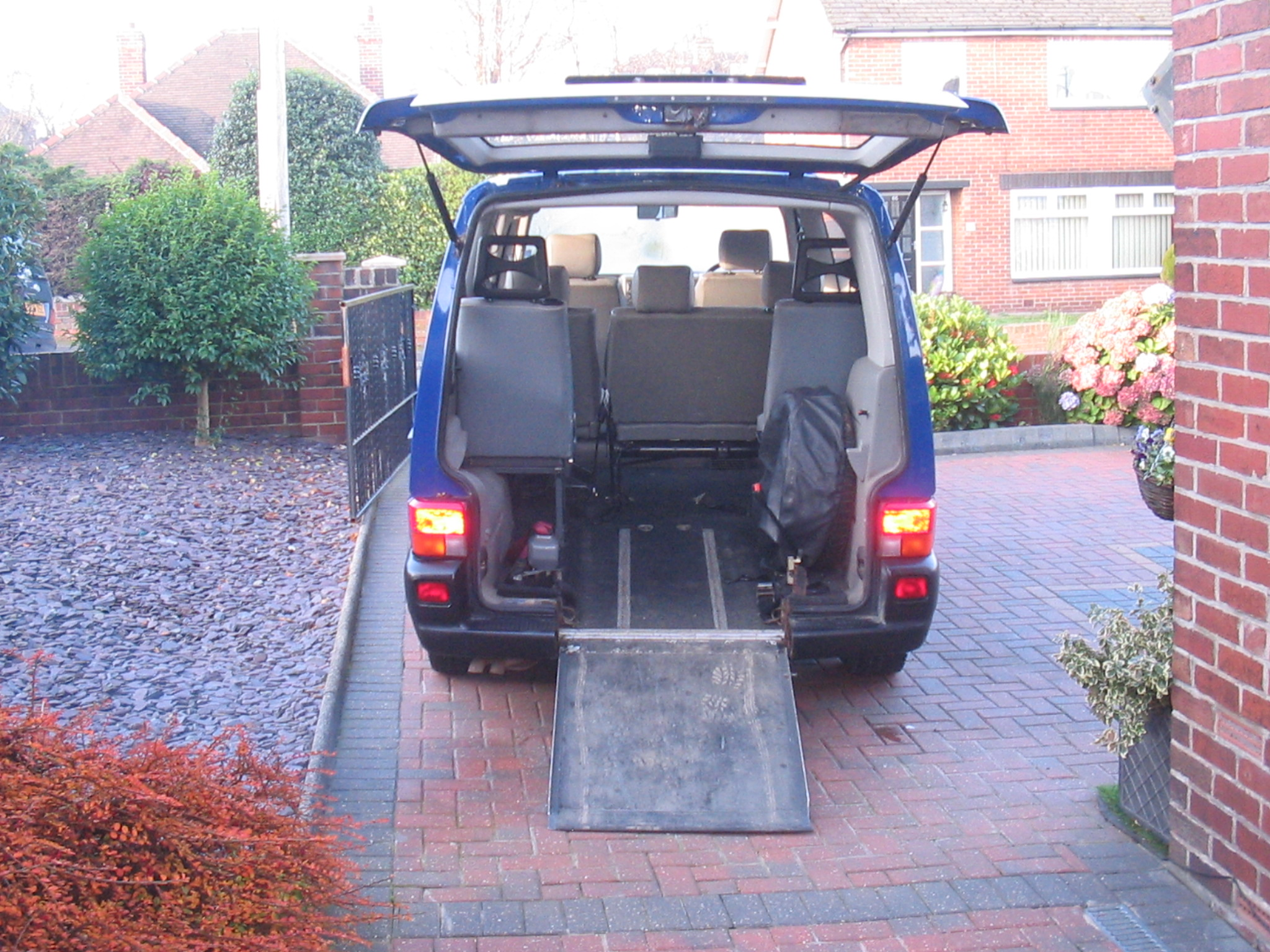 VW Caravelle 2.5 Tdi 7 seats plus wheelchair passenger
